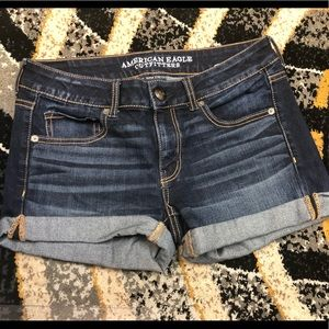 AE WOMENS SHORTS SIZE 6